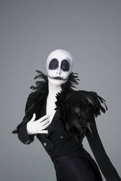 Tim Burton's Characters for Halloween by Pauline Darley – Fubiz Media Tim Burton Halloween Costumes, Outdoor Halloween, Halloween 2017, Holidays Halloween, Halloween Diy, Halloween Makeup, Holiday Makeup, Maquillage Halloween Clown, Tim Burton Characters