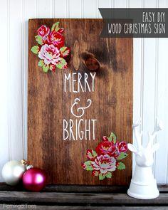 DIY Wood Christmas Sign by Flamingo Toes on iheartnaptime.com
