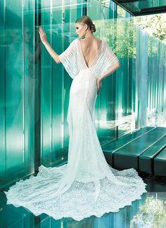 Jill wedding dress #yolancris #weddingdress #vintageweddingdress #vintage #elegance #vintagebrides #vintagewedding #weddingideas #bridestyle #couture