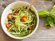 Spaghetti courgettini met zalm & avocado