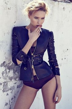 I'm so in love with this leather coat