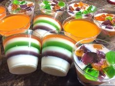 Gelatinas para negocio, curso completo Ingredientes elaboración y venta - YouTube Cheesecake Cups, Cheesecake Recipes, Cookie Recipes, Jello Cups, Dessert Shooters, Dessert Boxes, Mickey Cakes, Jelly Cake, Gelatine