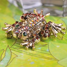 Fashion Jewelry Frog Animal Brooch $10.04 WOWVisit our store ---> www.fancyjewelrie... #Ring #Jewelry #homemade #shop #beauty #Woman's fashion #Products Fashion Group, Fashion 2017, Fashion Trends, All About Fashion, Passion For Fashion, Fashion Accessories, Fashion Jewelry, Bridal Fashion Week, Woman Fashion