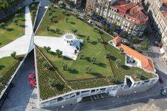 Projeto de revitalização da Praça de Lisboa, na cidade do Porto, levou o jardim para o telhado
