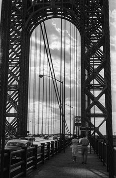 Through the Bridge, New York, USA 1958 - photographed by Vilmos Zsigmond Fort Lee, Washington Heights, Hudson River, George Washington Bridge, New York City, Art Pieces, The Past, Bridges, Roots