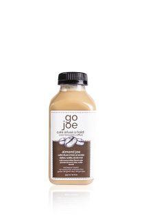 ALMOND JOE Ingrédients: - concentré de café infusé à froid - eau filtrée - amandes germés - dattes medjool - vanille - sel hymalayen