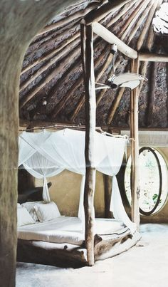 Journelles_Maison_Inspiration_Himmelbetten_Miishka_via_Pinterest