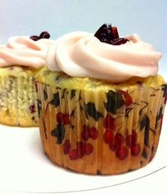 Cake mix made easy...Moist cranberry cupcakes that made from fresh cranberries.
