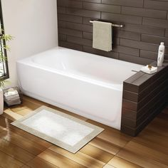 Make your bathroom modern with a Bootz Mapleleaf Tub #Fallidays #Bathroom
