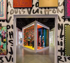 World Architecture Community News - Art and fashion meet at Louis Vuitton X exhibition with vivid colors in Beverly Hills Exhibition Booth Design, Exhibition Display, Exhibition Space, Exhibition Stands, Exhibit Design, Rome Exhibition, Exhibition Ideas, Window Display Design, Fashion Window Display