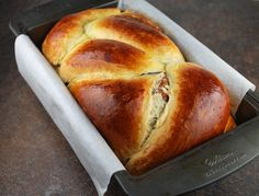 Romanian Cozonac (Easter Bread) Read Recipe by laurenmacphail Romanian Desserts, Romanian Food, Romanian Recipes, Festive Bread, Cookie Recipes, Dessert Recipes, Snacks, Sweet Bread, International Recipes