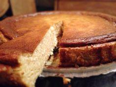 Sziasztok :-) Jönnek az ünnepek, kitaláltam egy újabb finomságot. Otthonra, vendégségbe kiváló, gyorsan elkészíthető torta! Mindenki imádni fogja, aki szereti a hab állagú piskóta nélküli, citrusos, illatos, túrós süteményeket! Javaslom próbáljátok ki!  Hozzávalók: 250 g tehén túró 125 g… Apple Pie, Sandwiches, Desserts, Food, Tailgate Desserts, Deserts, Essen, Postres, Meals