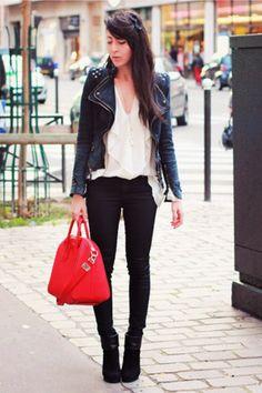 Coqueluxos: Red purse