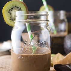 A healthy cocoa banana smoothie recipe infused with Earl Grey tea. Vegan and gluten free.