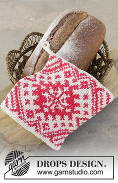 Knitted pot holders for Christmas with colour pattern in DROPS Paris. Fair Isle Knitting, Free Knitting, Knitting Patterns, Colour Pattern, Drops Design, Pot Holders, Free Pattern, Baking, Christmas