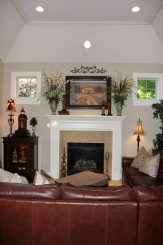 Savvy Seasons by Liz: Our Tuscan Living Room Tuscan Living Rooms, Formal Living Rooms, Tuscan Style Decorating, Decorating Ideas, Tuscany Decor, Diy Ideas, Decor Ideas, Tuscan House, Brown Sofa