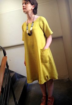 Lily Linen Dress Pattern made by http://www.nikkishell.typepad.com/nikkishell/page/6/                                                                                                                                                      More