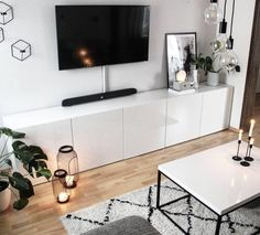 Chic in black-and-white the TV wall of a Community member _zuhause_bei_s shines! Discover even more ideas for the home on the COUCH design ideas up black Living Room Accents, Living Room Tv, Apartment Living, Home And Living, Muebles Living, Room Inspiration, Home Furnishings, Home Furniture, Bedroom Decor