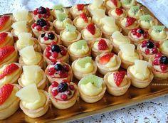 Bakery Recipes, Tart Recipes, Dessert Recipes, Cooking Recipes, Mini Patisserie, Delicious Desserts, Yummy Food, Cheese Tarts, Mini Tart