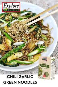 Calling all noodle lovers! Enjoy this delicious, vegan Chili Garlic Green Noodles recipe. It's simple and easy- edamame pasta and green vegetables are the perfect combination! #easypastarecipes #noodles #vegandinnerideas Stir Fry Edamame, Edamame Noodles, Salmon Stir Fry, Edamame Pasta, Easy Pasta Recipes, Noodle Recipes, Green Noodles Recipe, Edamame Spaghetti, Vegan Chili