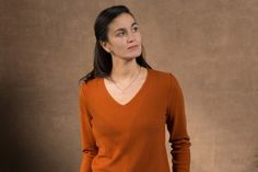 WOLFEN GERMANY v-neck sweater made in Germany