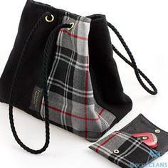 In the Lindsay pattern of course.Extra large Tattimole Tartan Bag *Bonnie* With Matching Purse Free ** New ** Lindsay Clan Shop - Scottish Clans Tartans Kilts Crests and Gifts