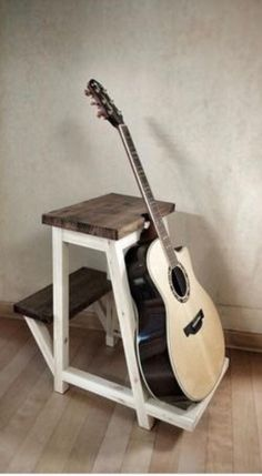 17 Best Guitar Stand And Stool Guitar Stand Double Neck Diy Guitar Stand, Wooden Guitar Stand, Cool Woodworking Projects, Diy Wood Projects, Woodworking Plans, Woodworking Patterns, Guitar Hanger, Guitar Rack, Music Furniture