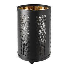STABBIG Farolillo para vela grande IKEA Gracias al motivo del farol que recuerda al encaje, la luz de la vela crea un efecto decorativo.