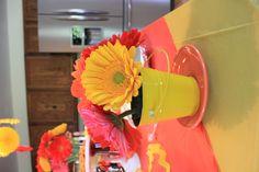 DIY arrangements with Gerbera daisies from Sam's Club  #red #yellow #babyshower #decor #retro #vintage #DIY #samsclub #bulkfloral