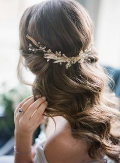10 Romantic Bridal Hair Ideas We Found On Pinterest bridallook http://gelinshop.com/ppost/439804719845457678/