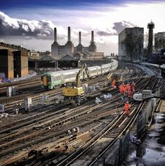 Battersea Power Station from Ebury Bridge in Chelsea, by Rob Baker Blood Photos, Waterloo Station, Battersea Power Station, Industrial Photography, Vintage Photography, Art Deco Stil, Piccadilly Circus, London Tours, London History