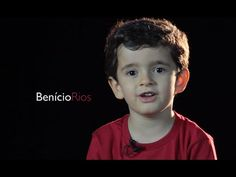 Vídeos de menino contando histórias bíblicas emociona                                                                                                                                                     Mais