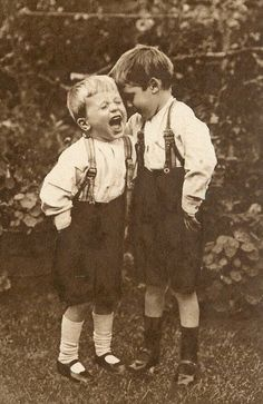vintage boys -- / TG: Boys will be boys Vintage Children Photos, Vintage Pictures, Old Pictures, Vintage Images, Old Photos, Vintage Art, Vintage Illustration, Photo Vintage, Jolie Photo