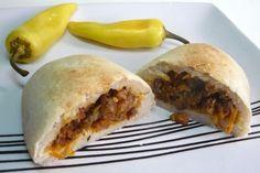 Cómo hacer Papas Rellenas con Cochayuyo Chilean Recipes, Chilean Food, Mets, Relleno, Hot Dog Buns, Veggies, Mexican, Cooking, Ethnic Recipes
