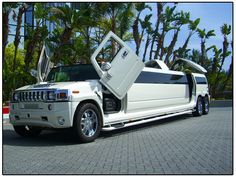 Google Image Result for http://www.mylightninglimos.com/Hummer%20Limo/WhiteH2limo.jpg
