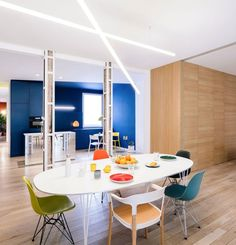 Image 7 of 22 from gallery of Apartment for a Bachelor in Madrid / gon architects + Ana Torres. Photograph by Imagen Subliminal Patio Interior, Yellow Interior, Apartment Interior, Apartment Living, Interior Design, Apartment Layout, Design Design, Interior Ideas, House Design