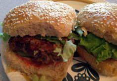 En burger du ikke går lei av! Ethnic Recipes, Food, Meal, Eten, Meals