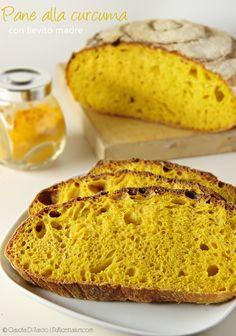 Pane alla curcuma con lievito madre