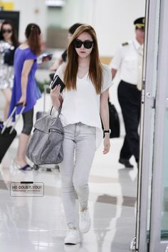 Jessica Jung Airport Fashion Jung Sisters Airport