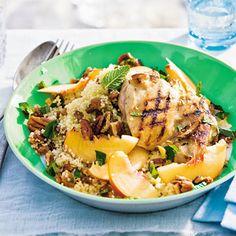 Recept - Zoet-hartige couscous met perzik - Allerhande - vervang de kip door gegrilde tofu en de kippenbouillon door groentebouillon en je hebt een vegetarische salade :)