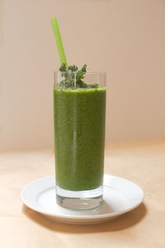 """Green smoothie: apple, banana, kiwi, mango, pineapple, broccoli, spinach, spirulina, parsley & wheat grass. Make your own or try Naked """"green machine"""". So so delicious and so so good for you."""