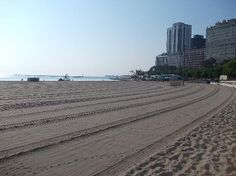 Oak Street Beach | This is the nicest beach in Chicago to me. Despite being right on Lake Shore Drive, its quiet and clean. during week - less crowded
