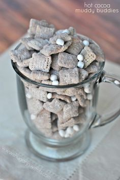Hot Cocoa Muddy Buddies: delicious hot chocolate mix with marshmallows make a fun snack!