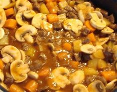Stoofpotje met wortel en champignons – Stoofpotje Recepten Healthy Slow Cooker, Healthy Crockpot Recipes, Slow Cooker Recipes, Snack Recipes, Cooking Recipes, Good Food, Yummy Food, Healthy Meals For Two, Different Recipes