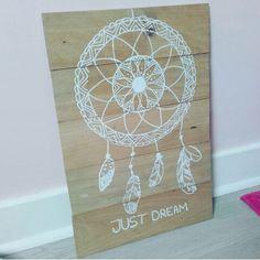 Voici des petites idées de cadre à faire avec des planches de bois assemblées et du blanco...