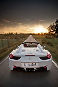 Ferrari 458 Italia Spider ...You little beauty!! I love Cool cars http://hectorbustillos.weebly.com/