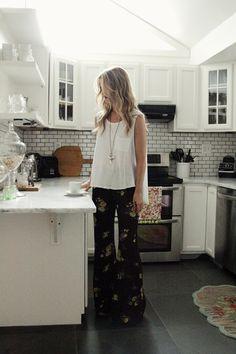 love those pants! #florals #pants #fashion