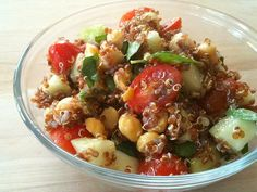 Lemon Quinoa Salad with Chickpeas / Clean eating
