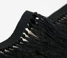 Knotted fringe in black cordonnet