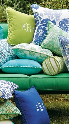 Playing with Color: How To Create a Vivid Outdoor Room. Click for our tips. | Frontgate Blog
